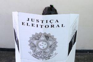 eleitoral 'Lei da Ficha Limpa não proíbe ninguém de ser candidato', afirma especialista
