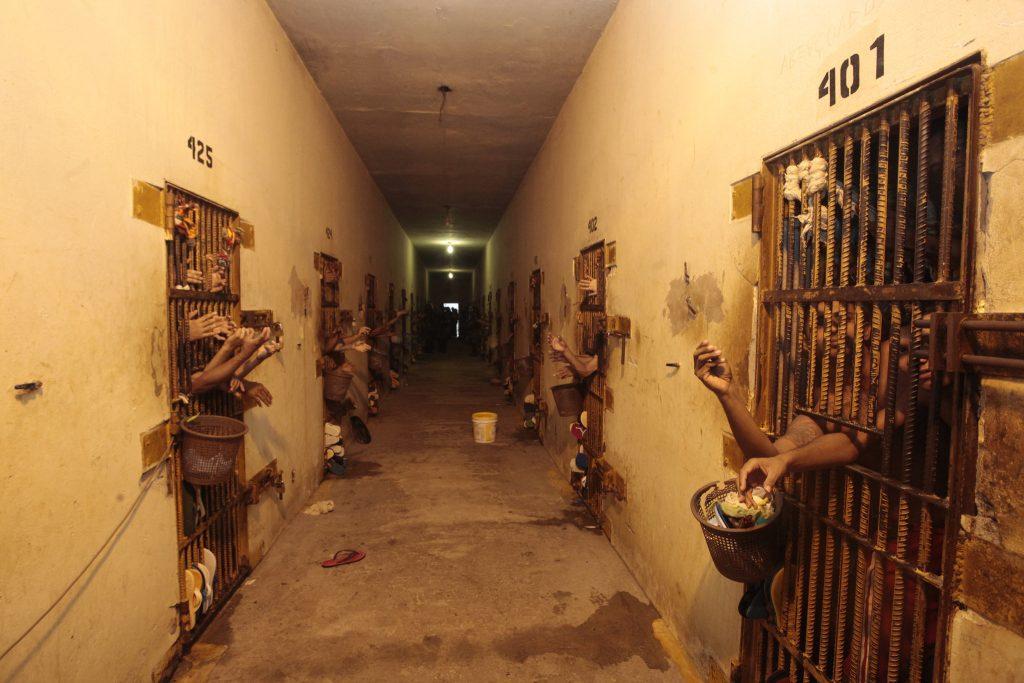 covid-19 prisões STF