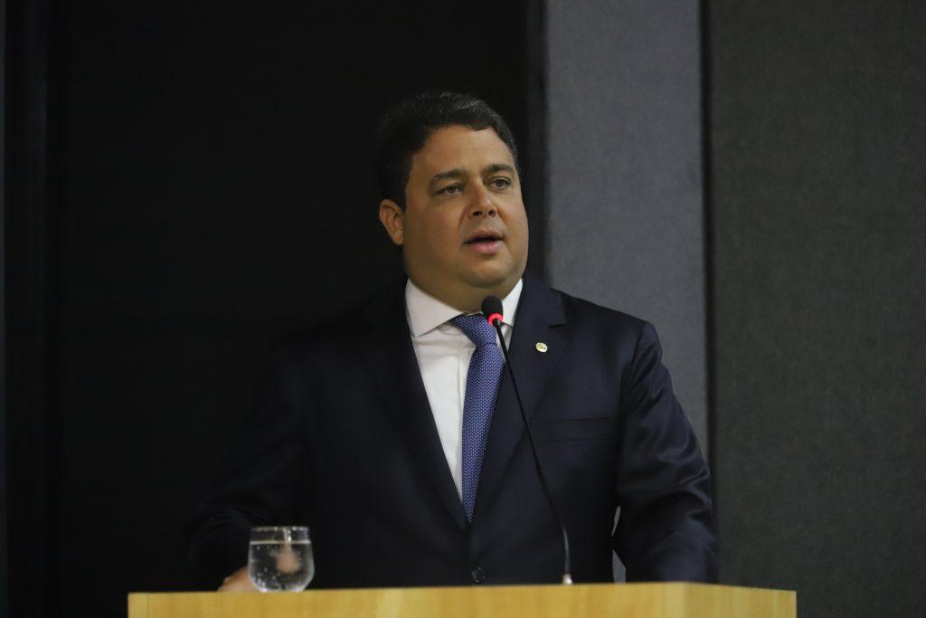 Felipe Santa Cruz; OAB