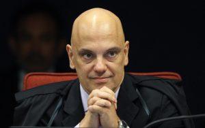 Alexandre de Moraes pede vista em ação que discute imposto zero na importação de armas