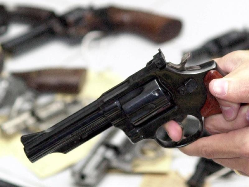 STF: Barroso pede vista em processo que discute imposto de importação zero sobre armas e pistolas