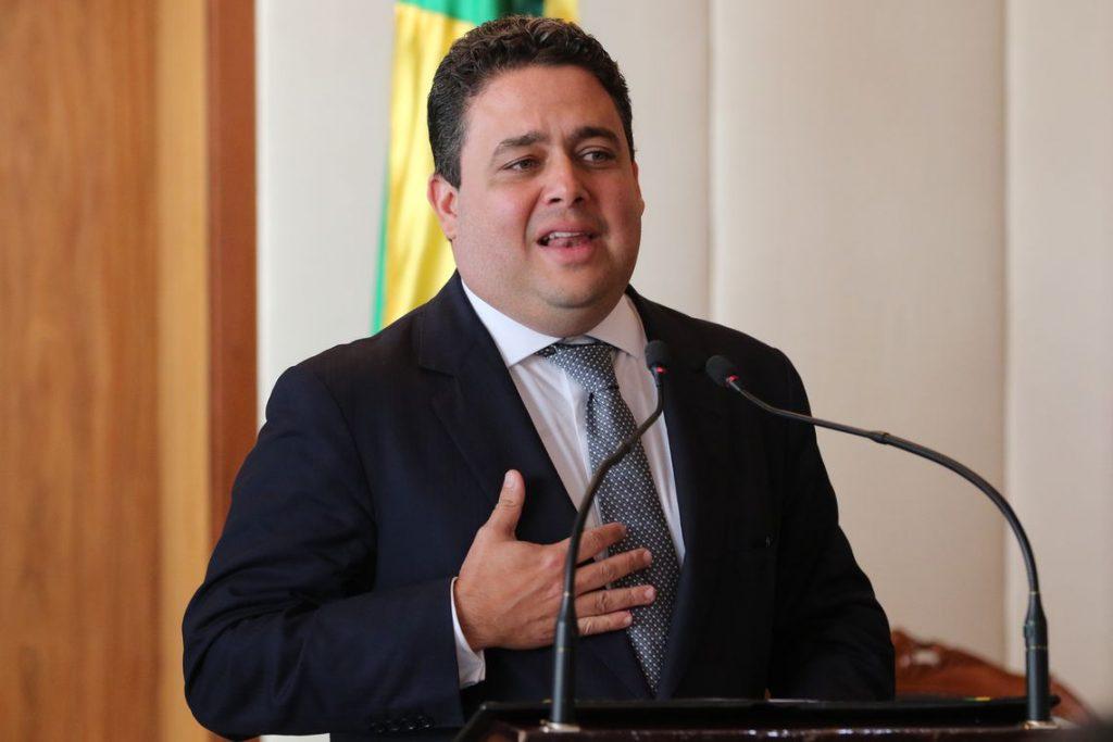 Felipe Santa Cruz fake news