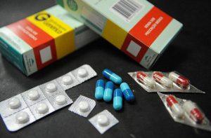 Judicialização da saúde, direito á saúde, medicamentos de alto custo