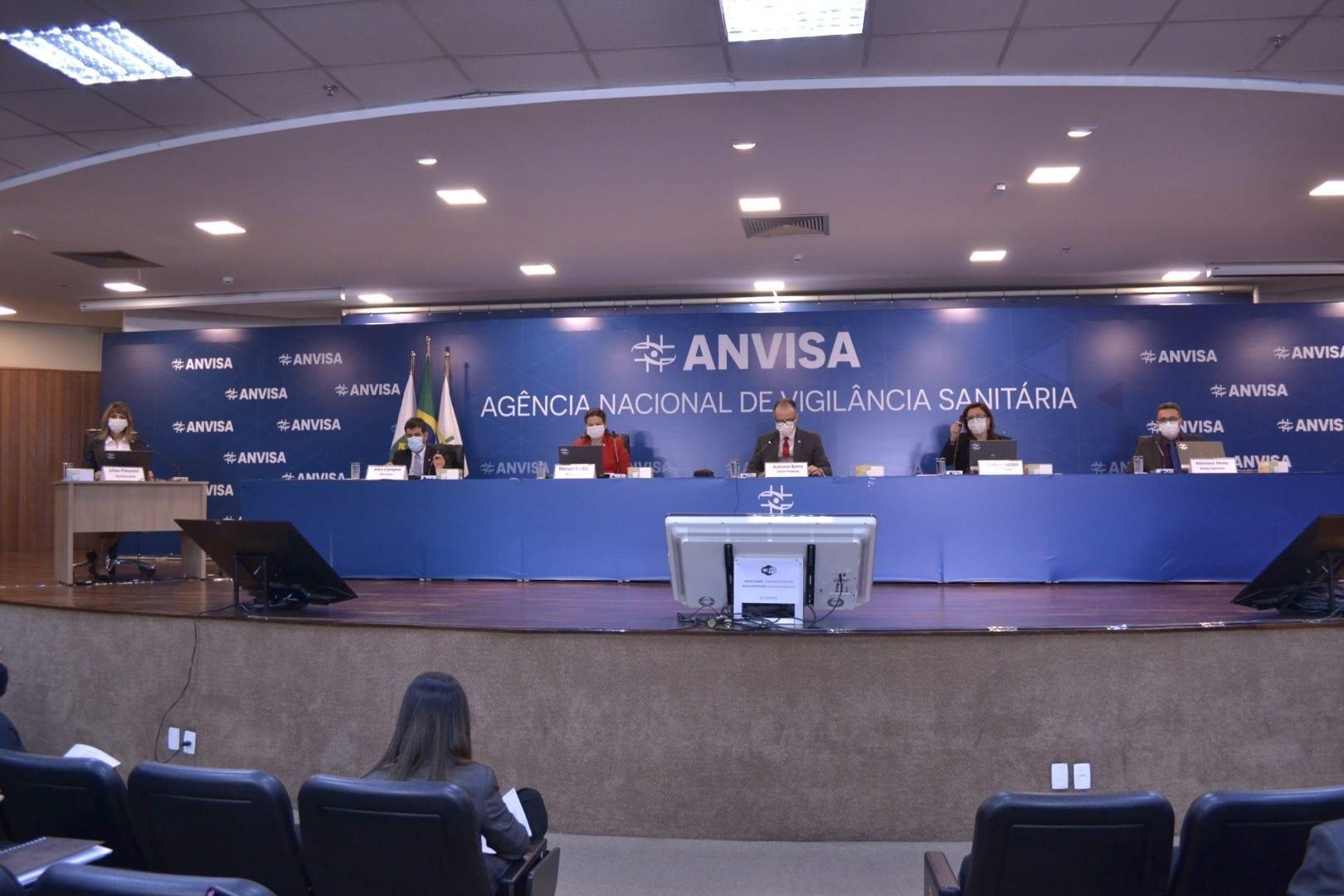 Diretores da Anvisa decidem autorizar uso emergencial da CoronaVac e da CoviShield