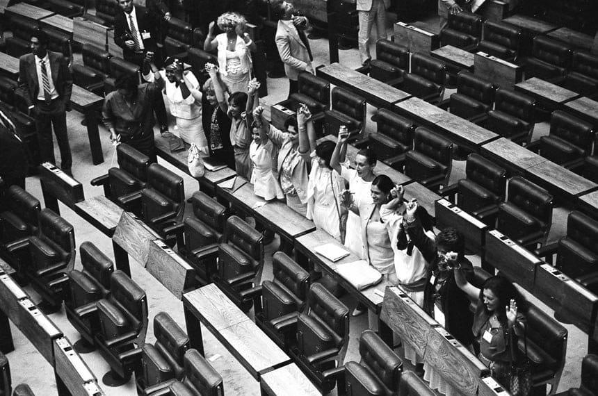 mulheres batom constituinte 88