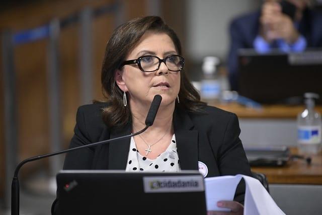 Cristiane Jourdan, diretora da Anvisa, em sabatina no Senado