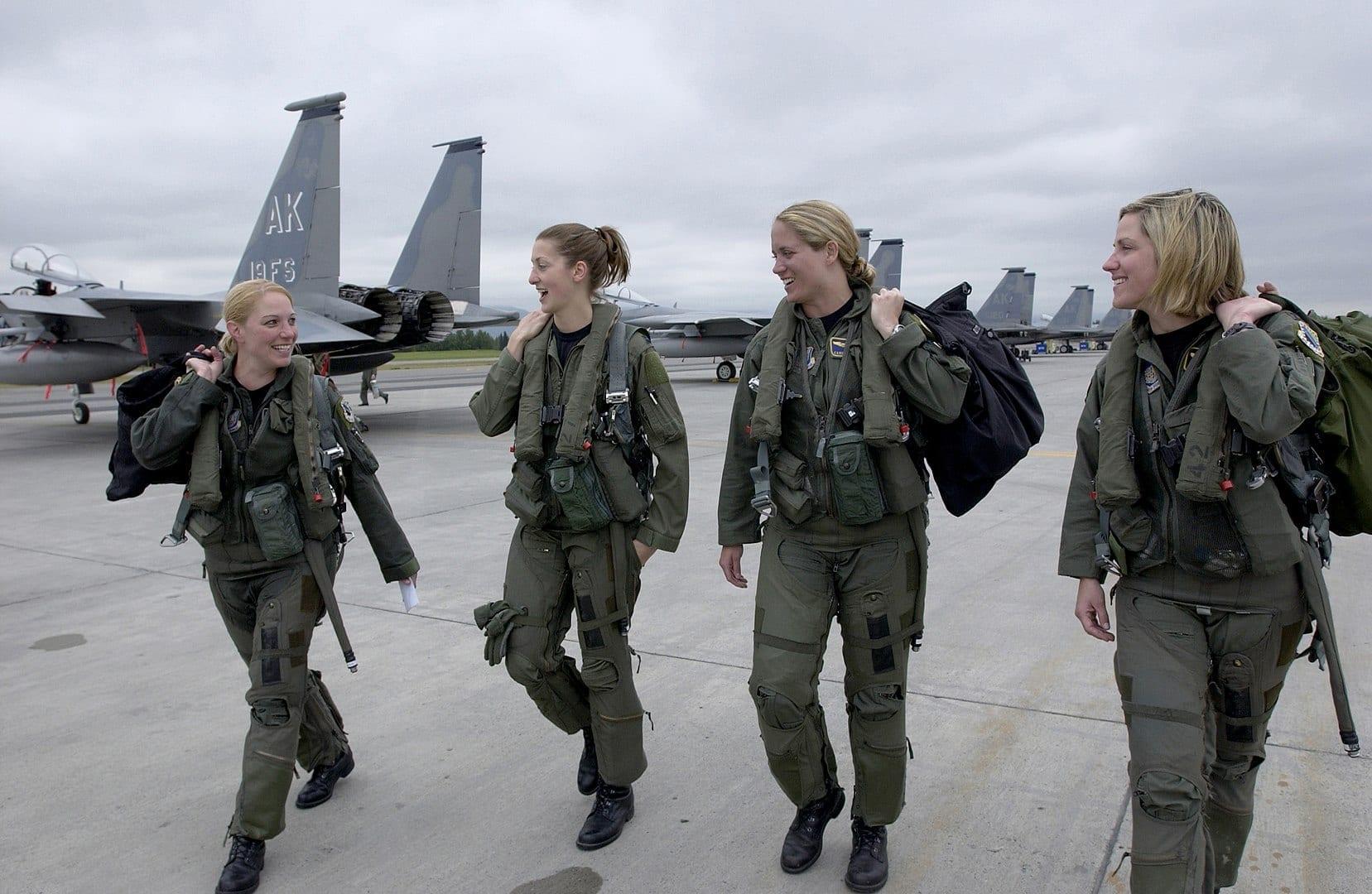 Quatro pilotas da Força Aérea Americana