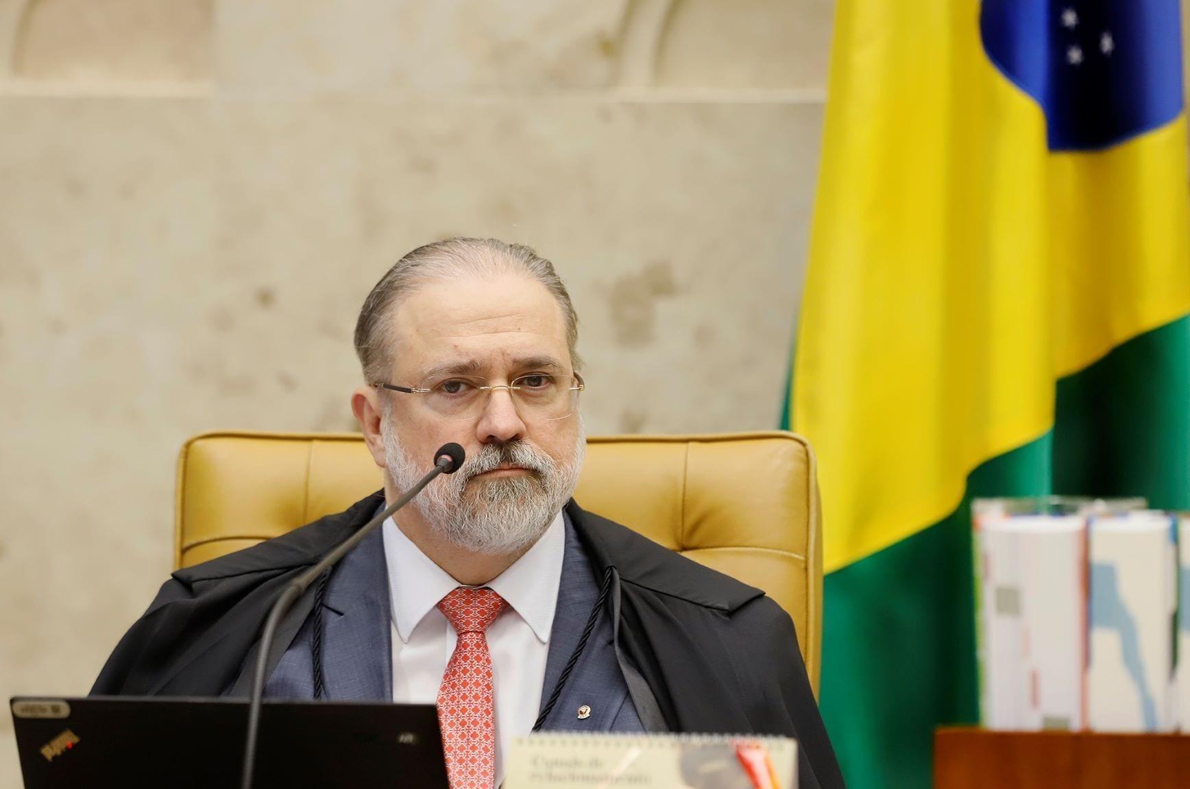 Augusto Aras processa Conrado Hübner