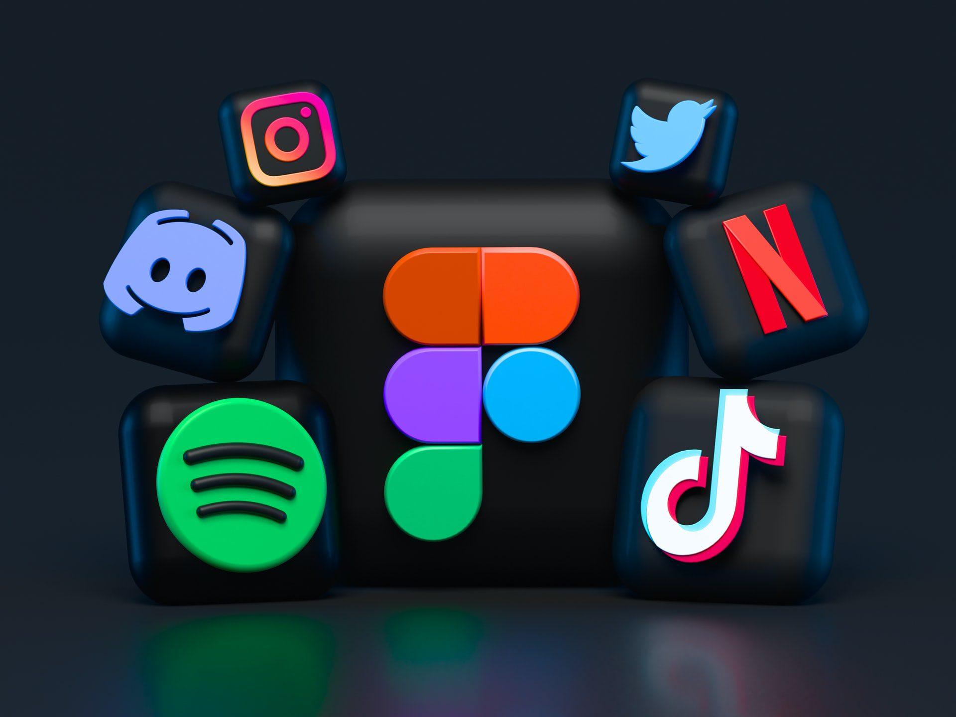 Imagem reúne logos de aplicativos e redes sociais como Spotify,TikTok,Netflix,Twitter e Instagram. Todos usam algoritmos