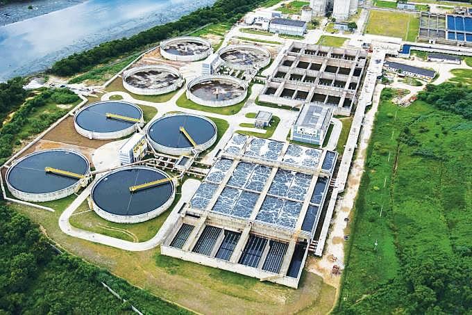 Imagem aérea mostra a estação de tratamento do Guandu no Rio de Janeiro
